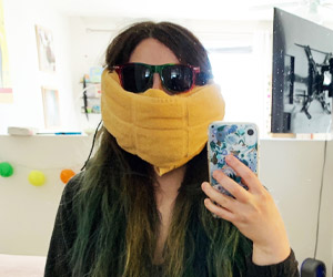 Claire Schlessinger with a mask